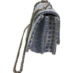 kassiopea-porté-travers-broderies-bleu-blanc-chaine